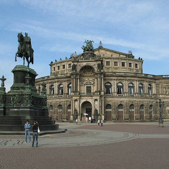 10_dresden-semperoper.jpg